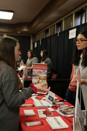 Seniors Experience College Fair